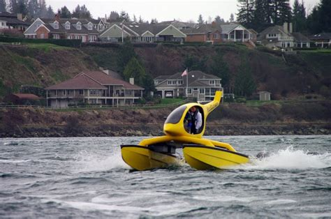 lake tapps boats is it a boat a helicopter some type of seaplane it s