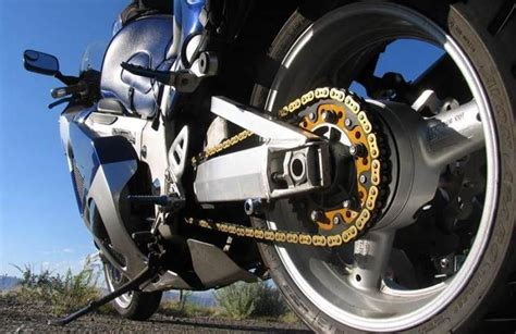 Pelumas Sepeda Motor Mau Mudik Dengan Sepeda Motor Jangan Lupa Cairan Pelumas
