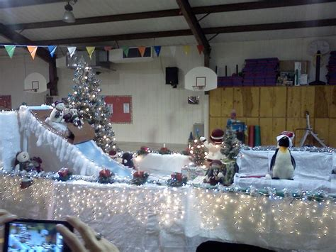 christmas light parade ideas snow hill parade float for the night of lights