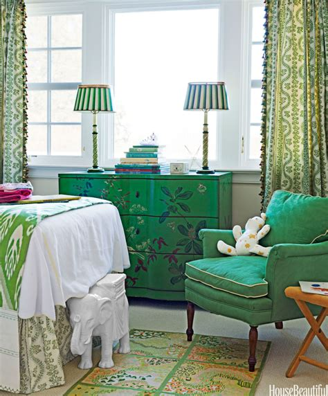 gorgeous green interior design for spring by nazmiyal emerald green decorating ideas emerald green designer rooms