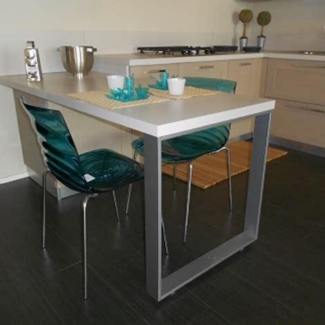 altezza tavolo cucina cucina con penisola scavolini modello open scontata 40