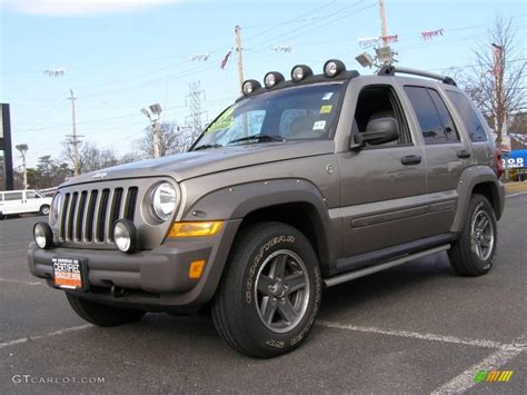 jeep liberty 2015 grey 2006 dark khaki pearl jeep liberty renegade 4x4 24587887