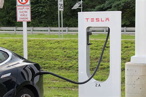 Tesla Home Charging Station Creates His Own Charging Network For Teslas