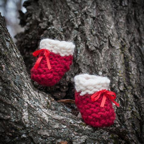 loom knit baby booties beginners loom knit baby bootie pattern knit baby shoes beginner