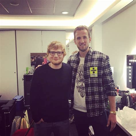 ed sheeran qualifications pic tottenham hero enjoyed the arsenal mauling with an ed