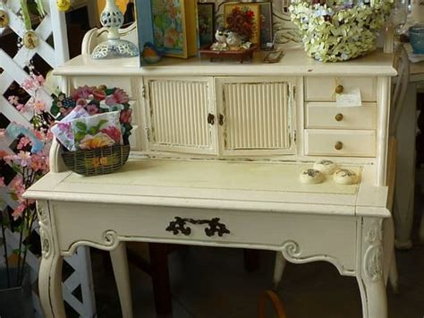 shabby chic small desk this shabby chic desk is just right for a small bedroom yelp