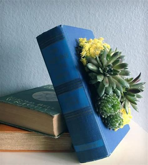 Diy Book Planter by 9 Diy Projects Made From Books Of Upcycling