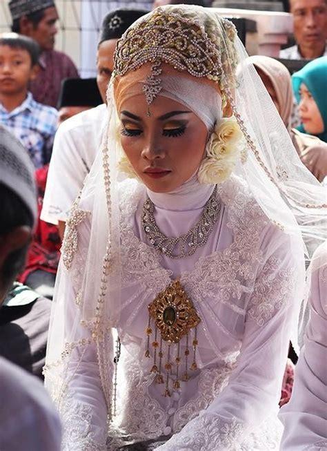 indonesian brides indonesian ethnic jewellery kaleidoscope effect