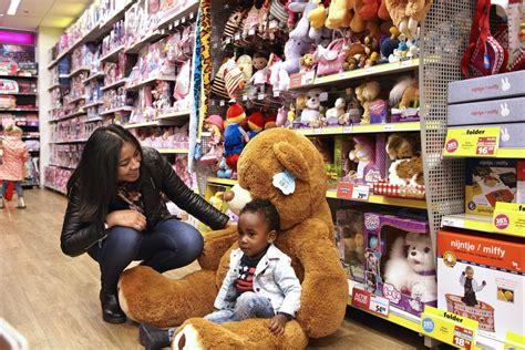 speelgoed intertoys waarom bart smit opgaat in intertoys retailtrends nl