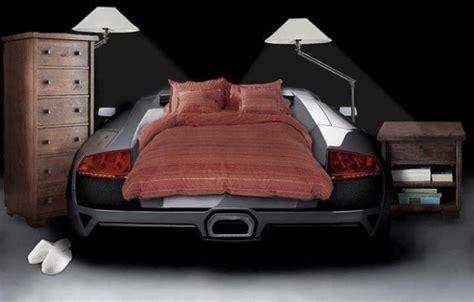 lits voiture le lit voiture pour la chambre de votre enfant archzine fr