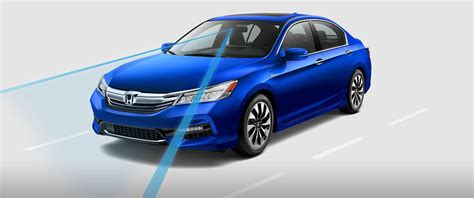 how the honda accord s innovative hybrid system works 2017 honda accord hybrid technology features are state of the art