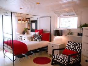 Black And White Room With Red Accents 20 Colorful Bedrooms Bedroom Decorating Ideas For Master
