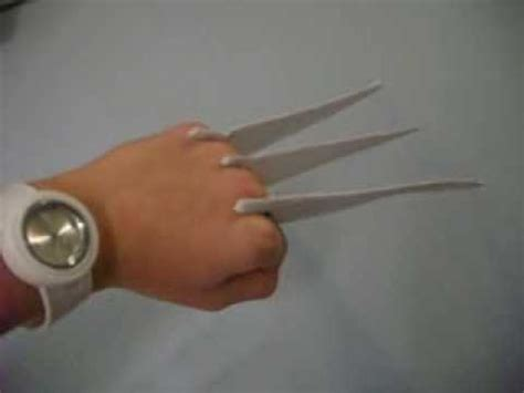 How To Make A Paper Wolverine - paper and cardboard wolverine claws