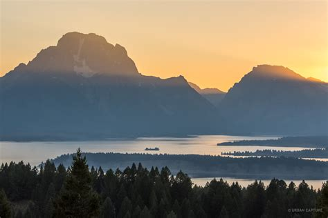 jackson lake overlook grand teton national park wyoming