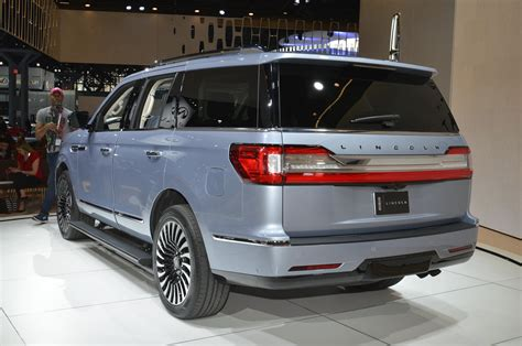 lincoln navigator back 2018 lincoln navigator black label is a huge three row