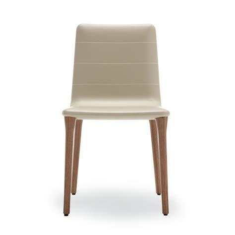 sedie in poliuretano pit soft touch sedia di design tonon in legno e