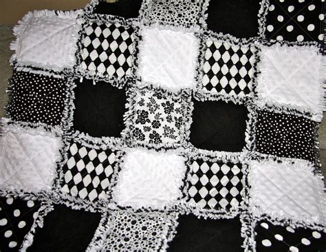 quilt pattern black and white zeedlebeez black and white rag quilts