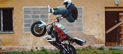 best bike stunter in the world one of the best bike stunt riders in the world