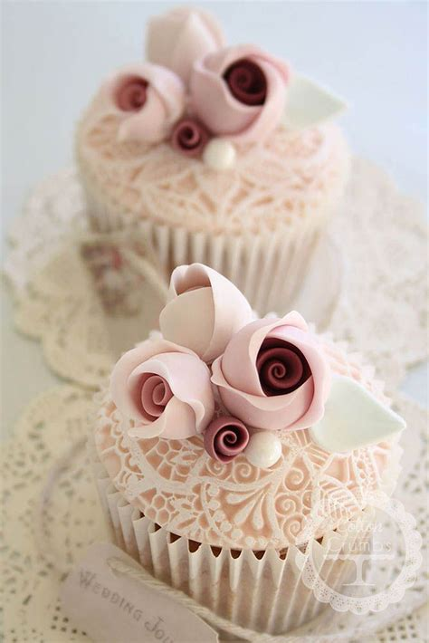 Wedding Cake And Cupcake Ideas by 25 Best Ideas About Wedding Cupcakes On
