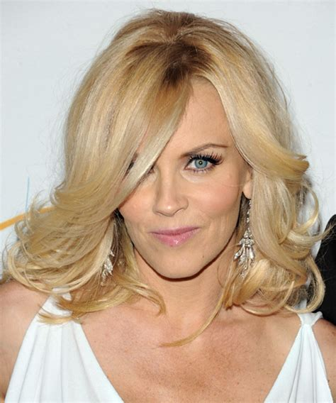 current pictures of jenny mccarthys hair jenny mccarthy long wavy formal hairstyle