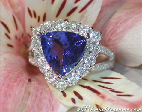 Tanzanite 3 07 Cts premium tanzanite ring with diamonds 187 juwelier