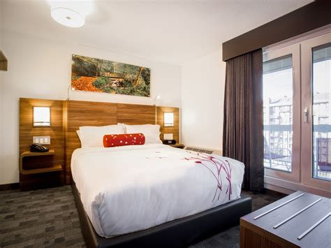 2 bedroom hotel suites calgary luxury one bedroom hotel suites in calgary hotel elan
