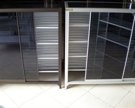 Lemari Sepatu Aluminium sinar maju aluminium surabaya