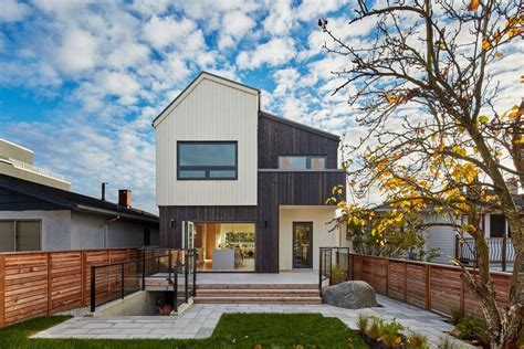 House Design Vancouver by A Modern Vancouver House Clad In Cedar Shingles