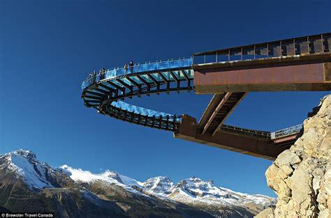 glacier skywalk opens   canadian rockies daily mail