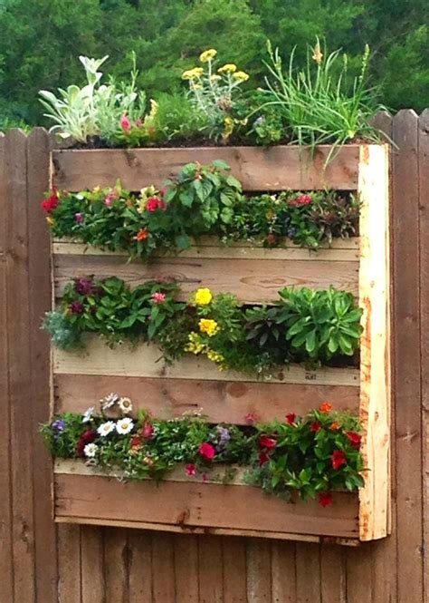Garden Flower Boxes Best 25 Pallet Flower Box Ideas On Pallet Planters Pallet Ideas Herb And Shipping