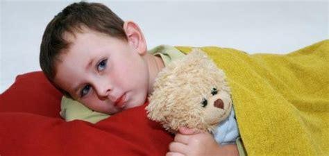 pipi a letto bambini 7 anni la pip 236 a letto la fanno pi 249 i maschietti viva la mamma