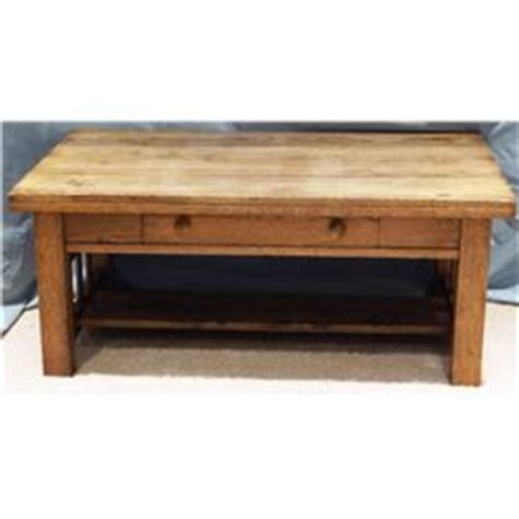 mission style oak coffee table w drawer 18 quot h x 42 quot w x 26 quot