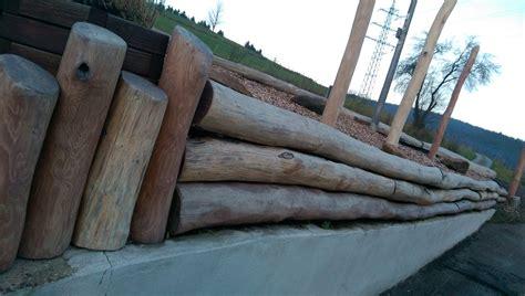 robinie rundholz rundholz robinie terrassen und fassaden