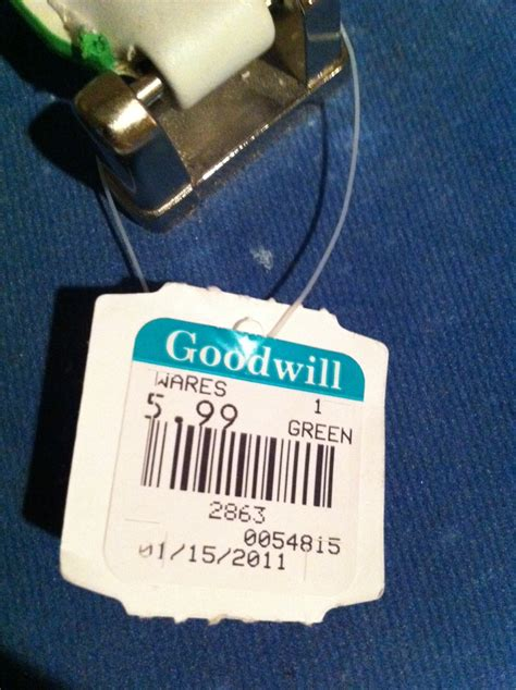 goodwill color tags thrift theft livingthegoodwilllife s