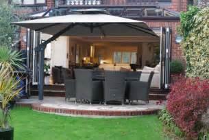 Patio Parasol Umbrellas 9 Tips For Choosing A Large Garden Parasol Wells Umbrellas