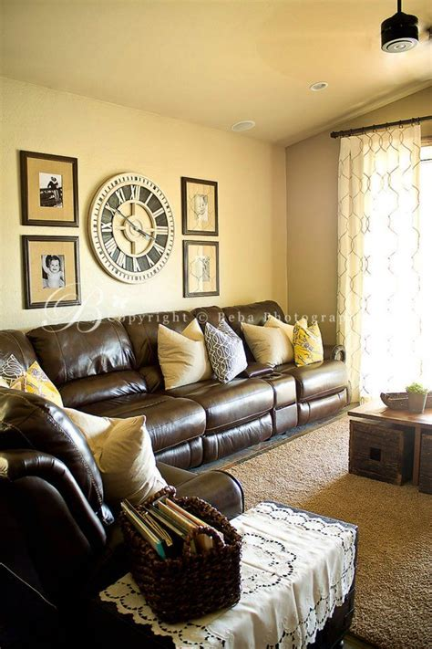 chocolate living room 25 best ideas about yellow accent walls on pinterest yellow wall paints grey yellow rooms