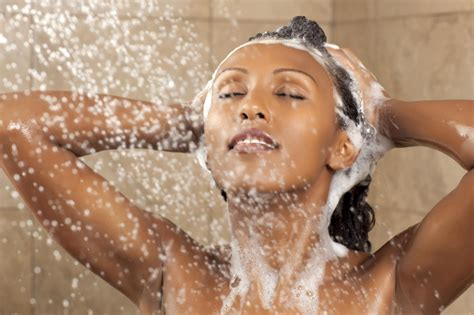 washing natural hair in sections 5 tips for making wash day less stressful tgin
