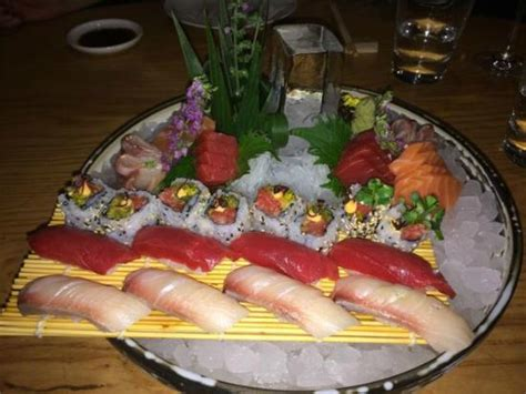 Sushi Showcase Pendingin Sushi G 180la note picture of zuma tripadvisor