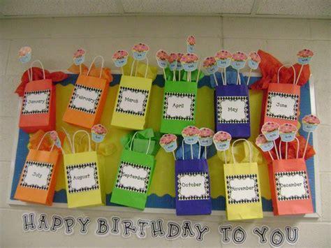 Poster Inspiratif Think Outside The Box Hiasan Dekorasi Dinding 25 Best Ideas About Classroom Birthday Displays On Classroom Birthday Board