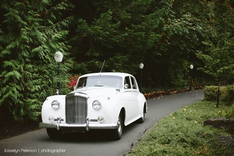 Luxury Limo Service by White Cloud Luxury Cars Luxury Limo Service