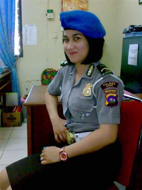 foto polwan polisi wanita tercantik di dunia