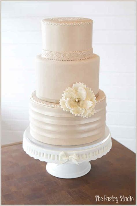 vintage wedding cake ideas team wedding wedding cakes ideas for retro themed