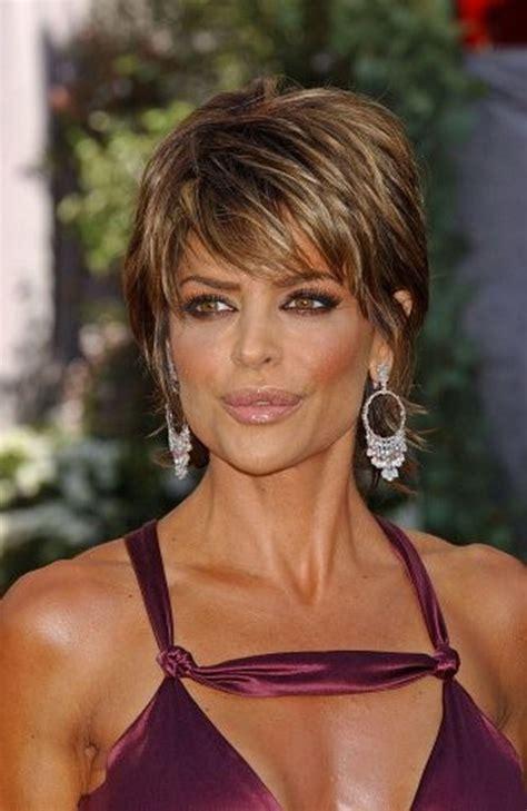 fine thin hair age 64 lisa rinna short shag hairstyle pinteres