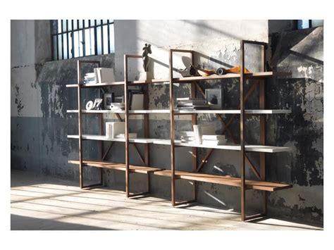 librerie per salotti libreria in legno massello per salotti in stile moderno