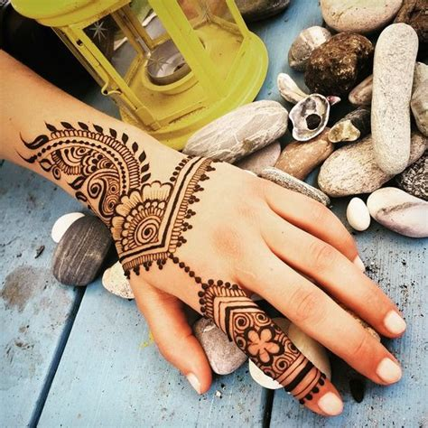 simple and adorable arabic henna designs step by step