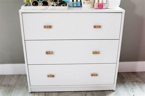 How To Spell Drawer by Easy Diy Wall Diy Dresser Drawer Pulls Kavett