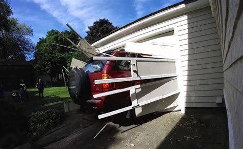 Car Crash Garage by 91 Year Completes And Last Thing On His
