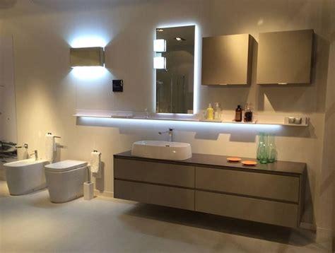 illuminazione bagno con faretti luce in bagno consigli illuminazione quale