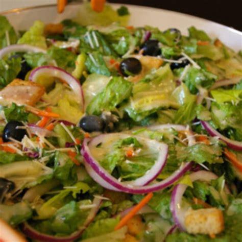 1 serving of olive garden salad olive garden salad and dressing