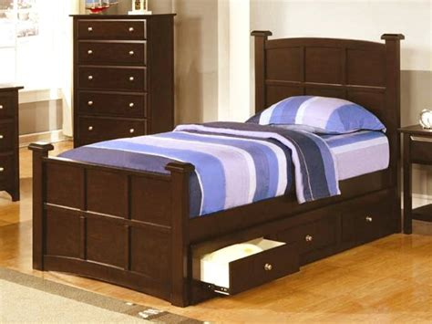 twin bed room twin beds